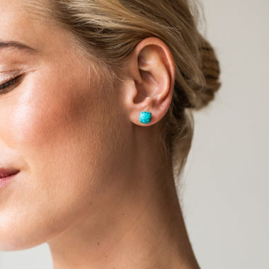 TI SENTO - Milano Earrings 7814TQ in use