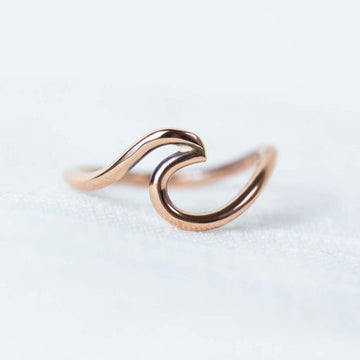 Solid Rose Gold Wave Ring
