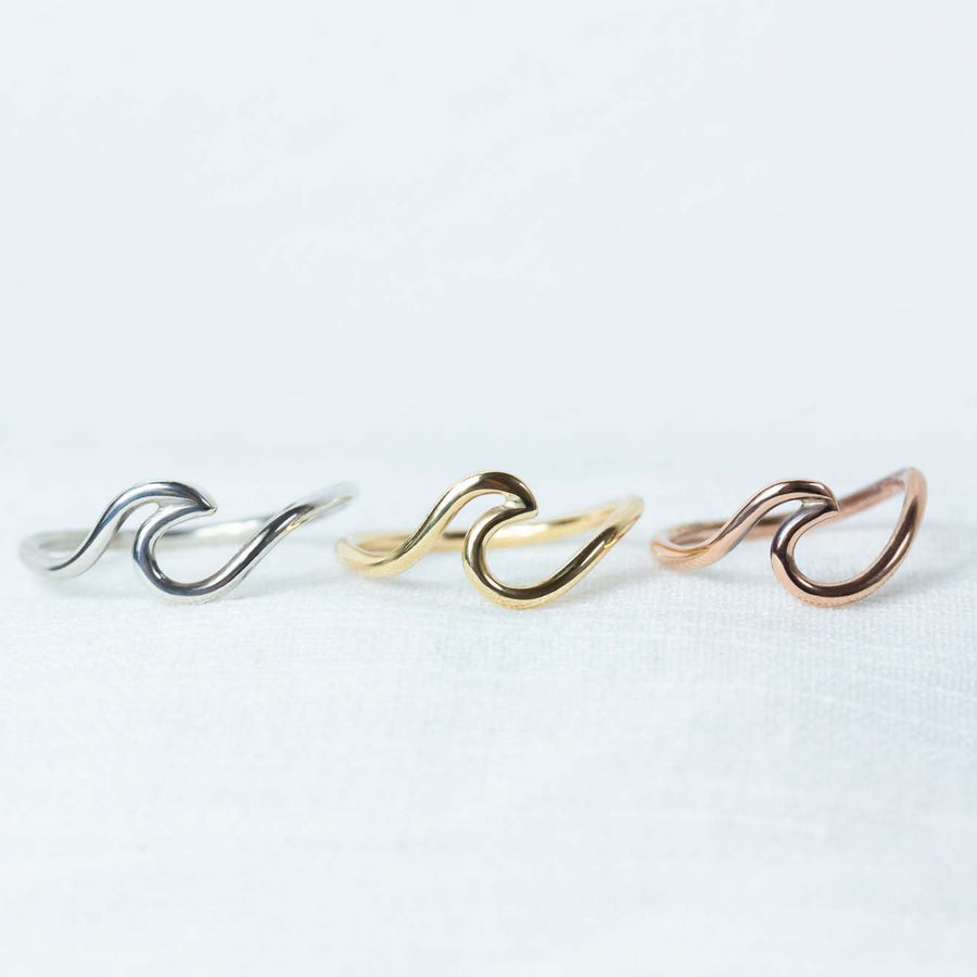 3 colour wave ring