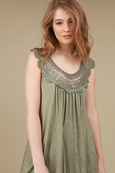 Floral Crochet Detailed Sleeveless Tunic Tee