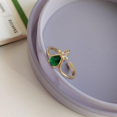 V Shape Emerald Ring Gold