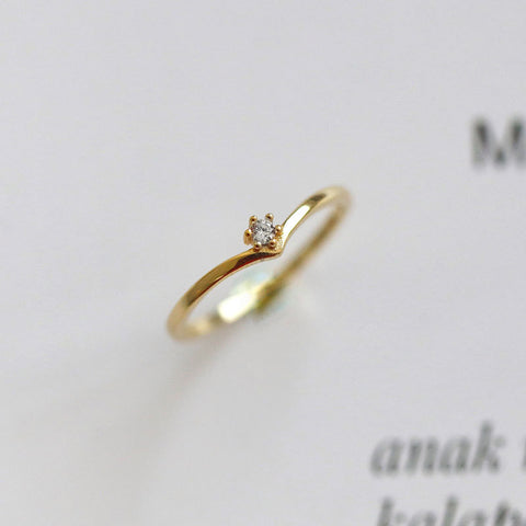 V Shape Diamond Ring Gold