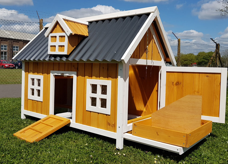 Chicken Coop House Barn For 3 to 4 Birds