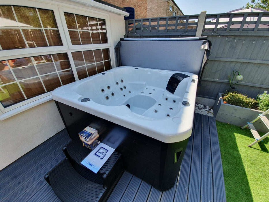 IN STOCK! Tyrion Hot Tub Spa 2 Loungers 3 Seats Bluetooth Stereo Call to order: 07809107843