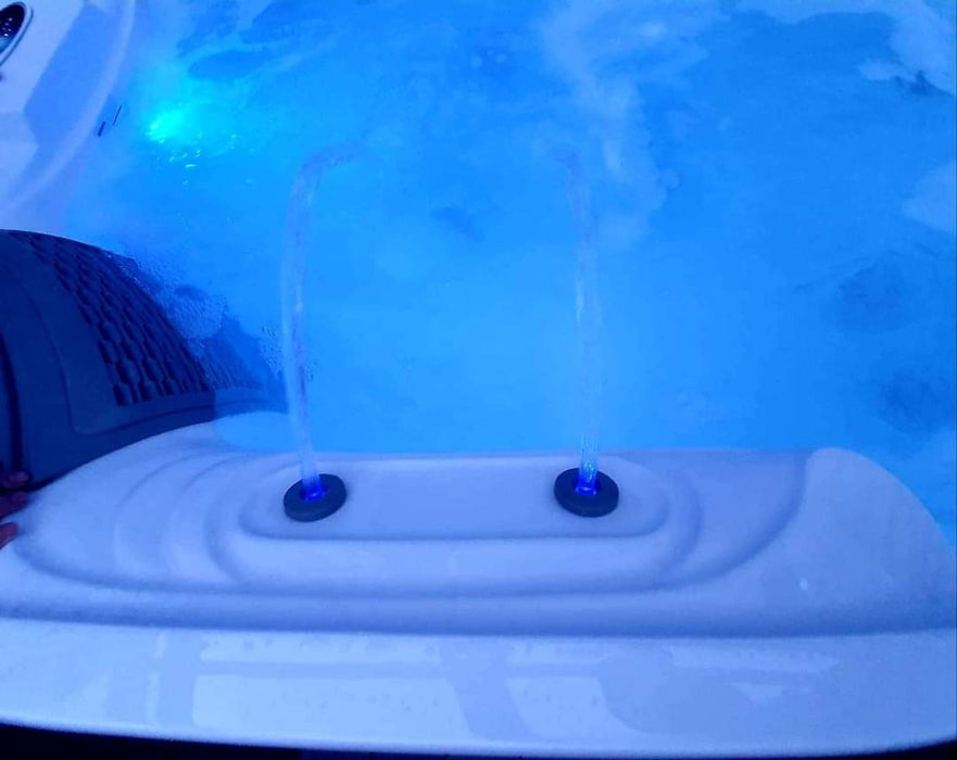 Ramsay Hot Tub Spa Bluetooth Stereo 2 Loungers 3 Seats Call to order: 07809107843