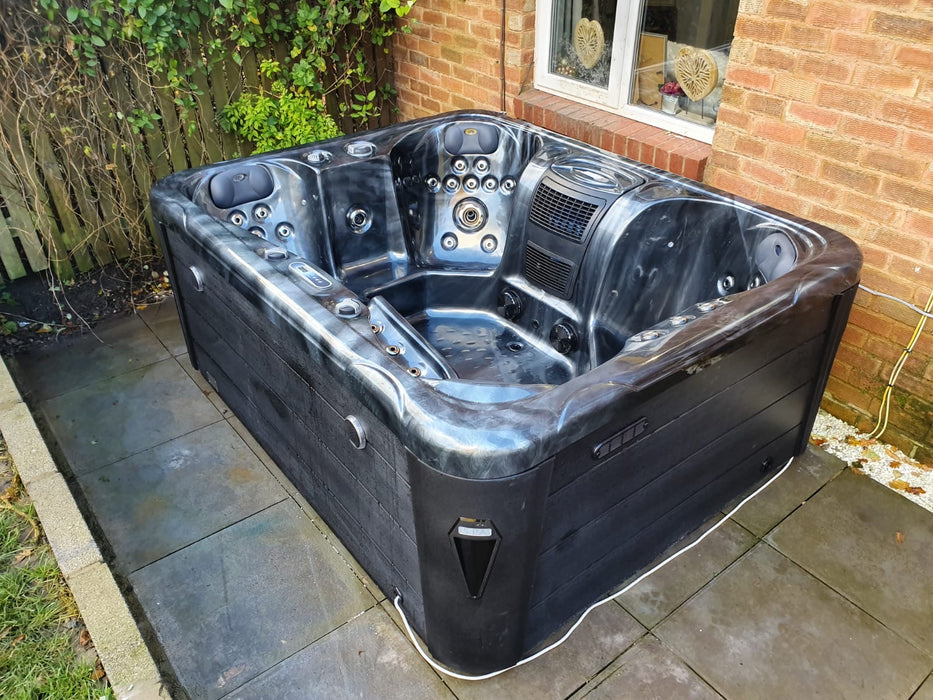 IN STOCK Davos Hot Tub Spa 1 Lounger 5 Seats Bluetooth Stereo Call to order: 07809107843