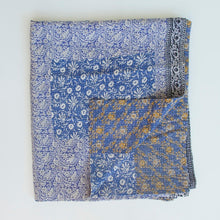 Load image into Gallery viewer, IZNIK SHAWL