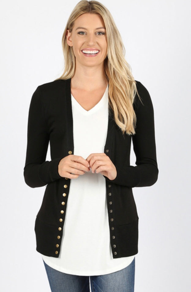 Snap Button Cardigan (Curvy) - Black