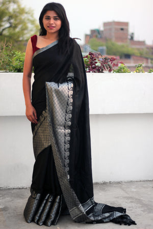 Black Liva Saree with Peacock Jaquard Zariwork