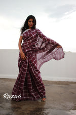 Load image into Gallery viewer, Magenta Checks Cotton Liva Saree
