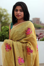 Load image into Gallery viewer, Little Elephants on Linen Saree
