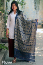 Load image into Gallery viewer, Jacquard Liva Dupatta with Parisian Motifs