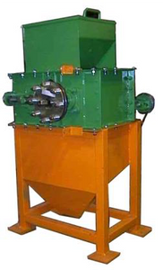 Roller Mill supplied with Stand and Hopper - 6.5 tonne per hour