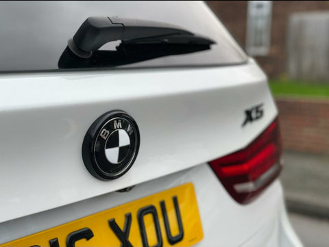 BMW X5 REAR BADGE SURROUND - GLOSS BLACK F15 F16