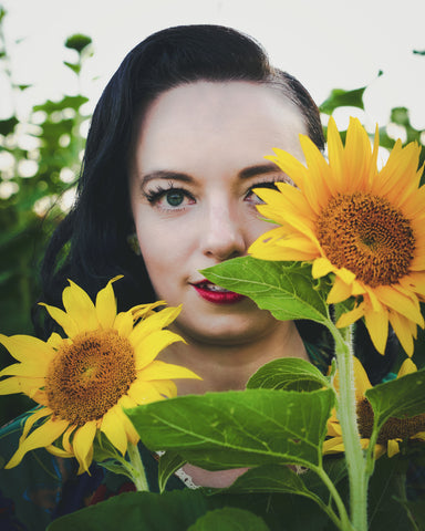 Pinup model Pamela Marie | Hollyville | Cardinal White Photography | Lannon Sunflower Farms