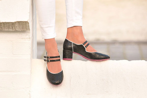 Apple Black Textured Retro Shoes by Cristofoli