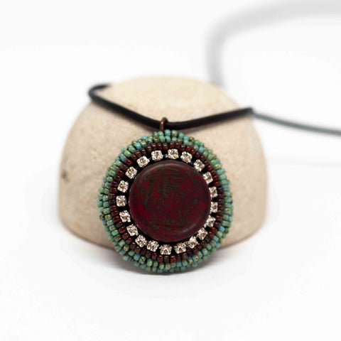 Turquoise Red Sparkly Round Necklace
