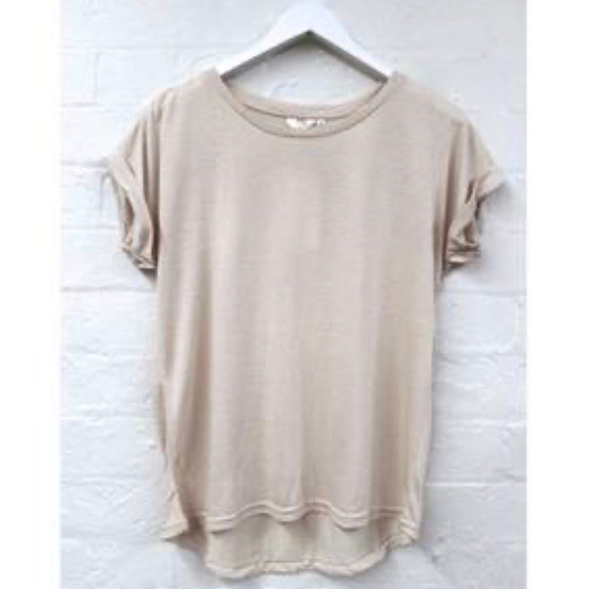 Roll sleeve tee beige