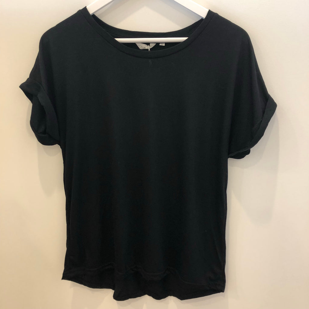 Roll sleeve tee black