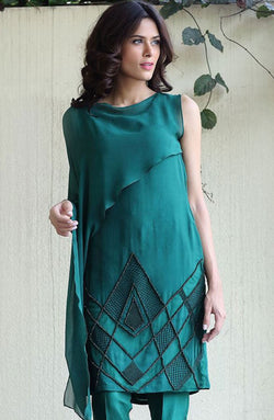 EMERALD GREEN KURTA FORMAL PARTWEAR HAND WORKED WITH CRYSTALS AND RESHAM ON PURE CHIFFON WITH LAYERED DRAPE AND PURE RAW SILK CIGARETTE PANTS