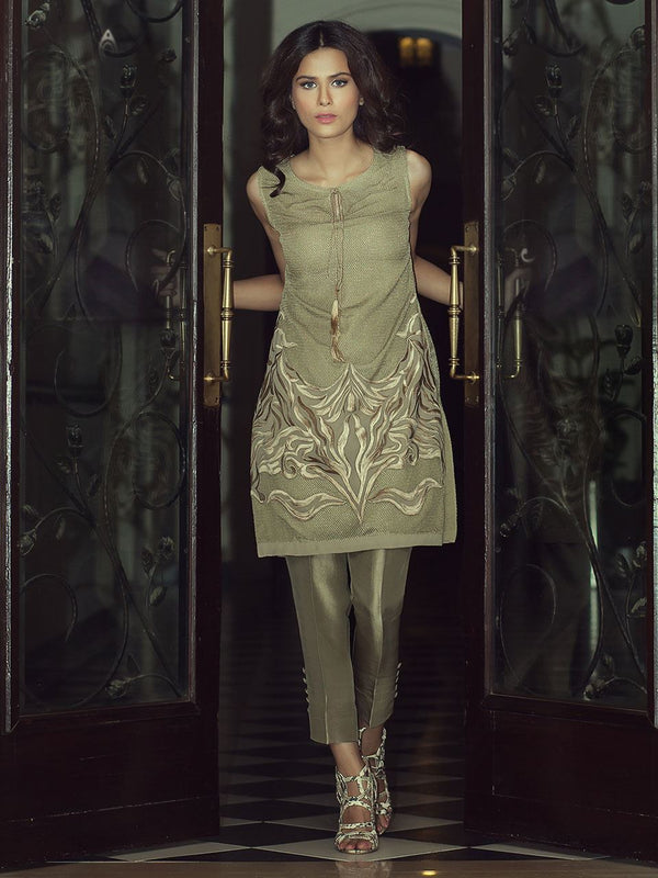 Green Tunic-Embroidered mesh. (two- piece set))