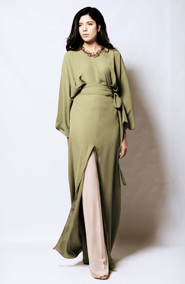 GREEN MAXI DRESS FULL LENGTH WITH KIMONO STYLE SLEEVES AND SLIT AND A SLEF TIE WAIST BELT