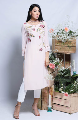 ROSE PINK KURTA IN LONG LNEGTH WITH EMBROIDERED FLORALS ON NECKLINE