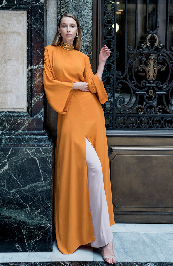 ORANGE MAXI DRESS FULL LENGTH WITH KIMONO STYLE SLEEVES AND SLIT AND A SLEF TIE WAIST BELT