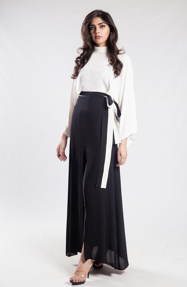 Black & White Kimono Maxi in (one piece)