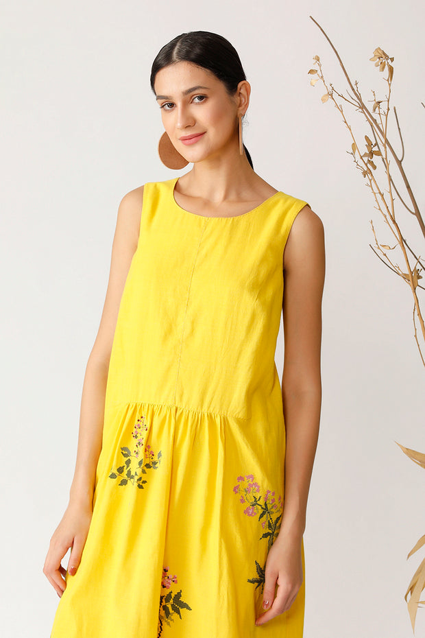 Pin Oak Sleeveless Dress