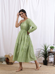 best women's dresses for festival. best women's dress suits in gurgaon