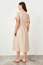 Load image into Gallery viewer, Women's Button Camel Dress - SisBrothers