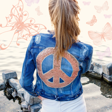 Laden Sie das Bild in den Galerie-Viewer, Denim Jacket  `JUST ☮´