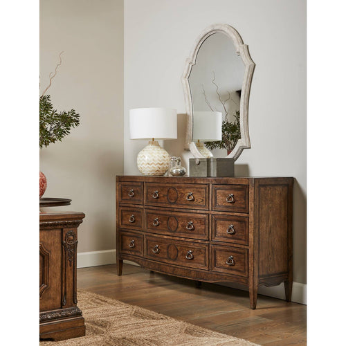 Thoroughbred Canterbury Dresser