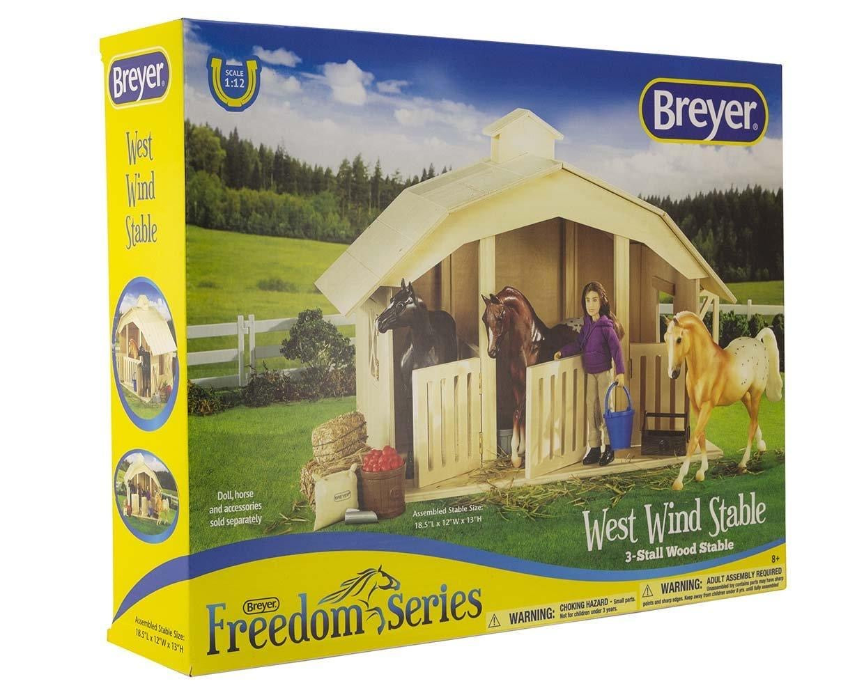 Breyer Classics - West Wind Stable