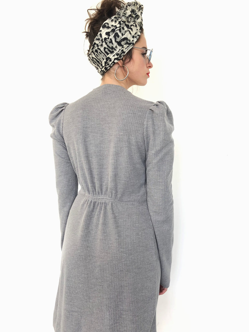 Milano wrap dress in Grey with Green ribbon