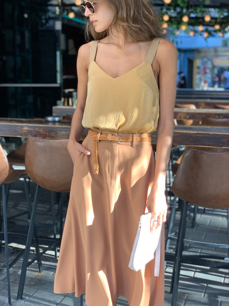 London Midi Skirt in Nude