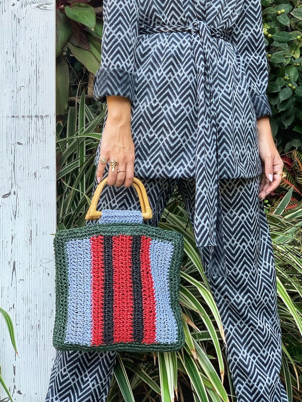 Woven bag with Bamboo Handles