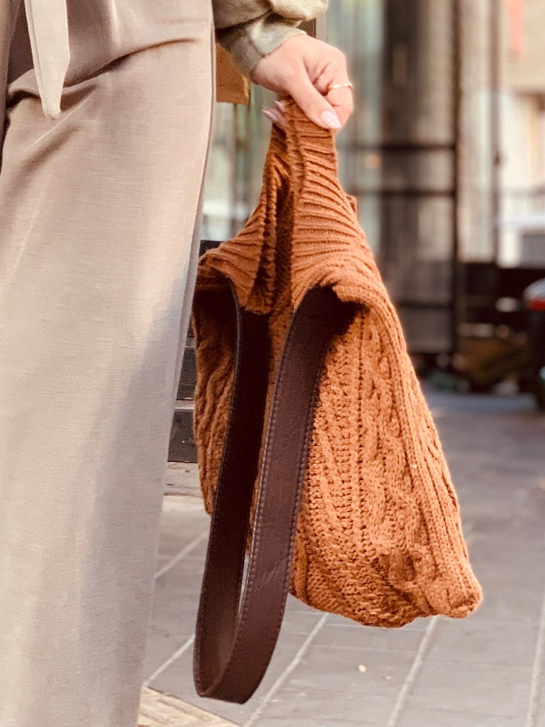 Woven bag in Brown