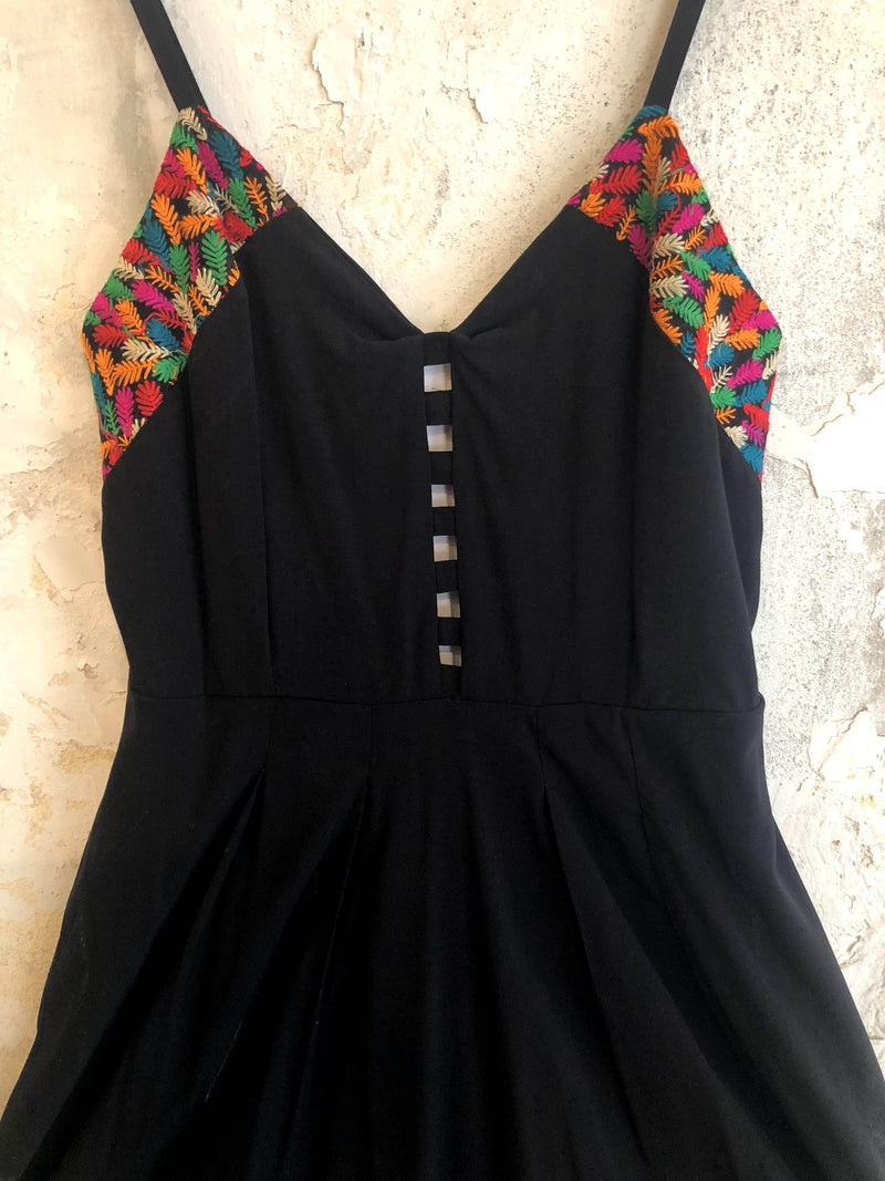 Mini Nefertiti Dress In Black With Side Pockets