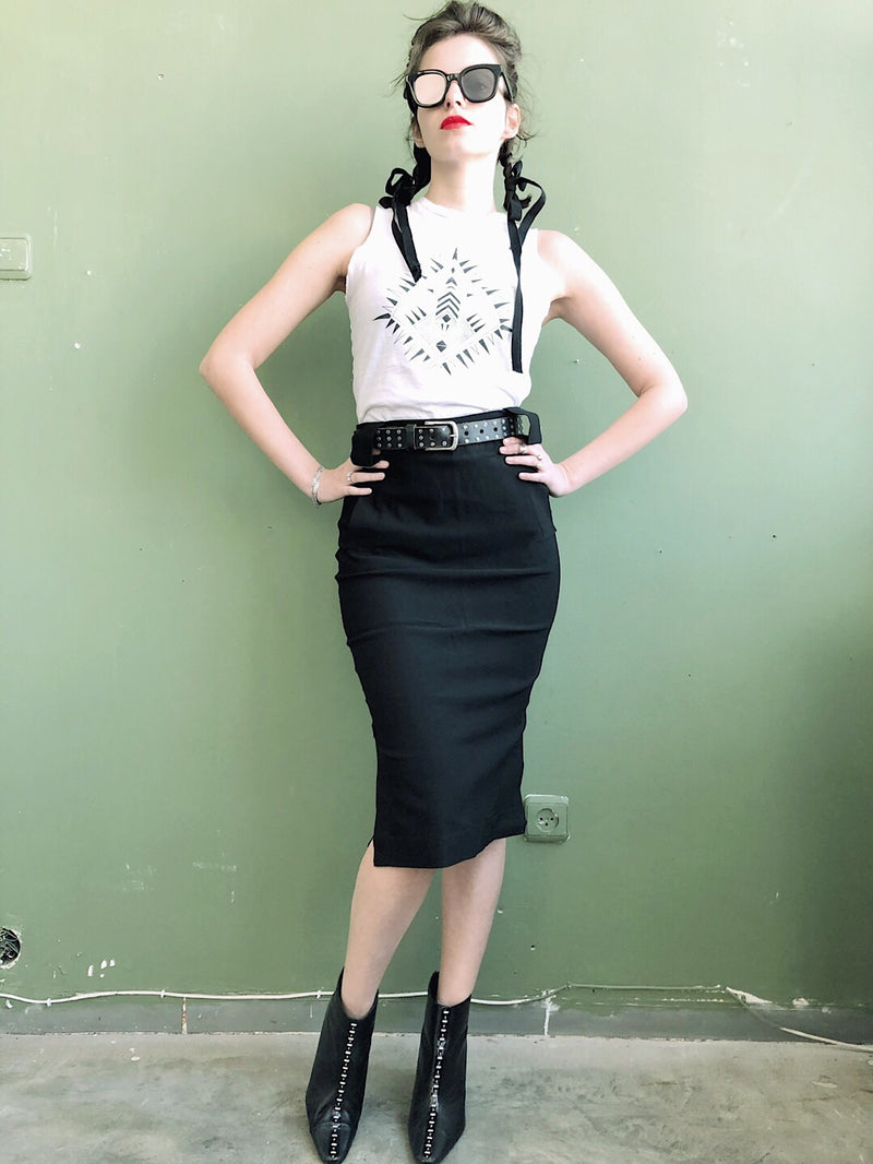 Pencil Skirt with pockets in Black