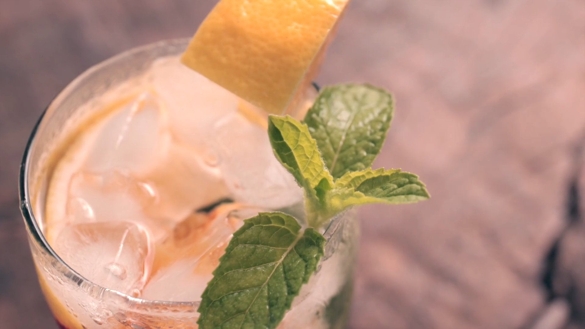 Nectarine Mojito give you a cool summer