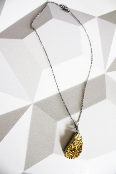 Contrasting Drusy Necklace