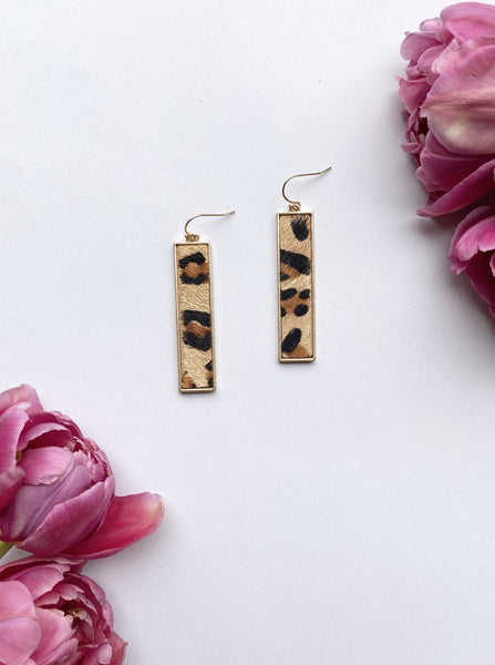 Brown Rectangle Bar Animal Earring
