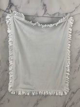Load image into Gallery viewer, Gray Lattice with White Ruffle Gift Set 3