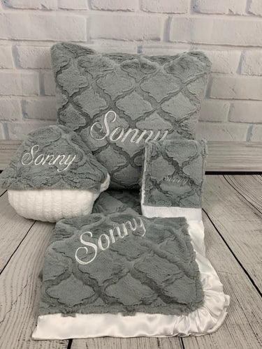 Gray Lattice with flat white Ruffle Gift Set 2