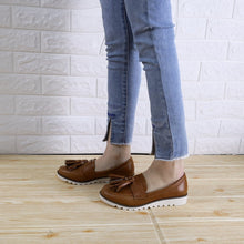 Load image into Gallery viewer, Vintage Plain Fringe Decorated Flat Shoes