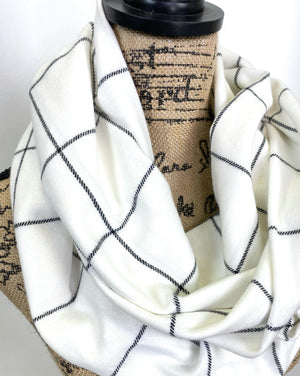 NEW Classic and Simple White and Black Plaid Medium Weight Flannel Scarf
