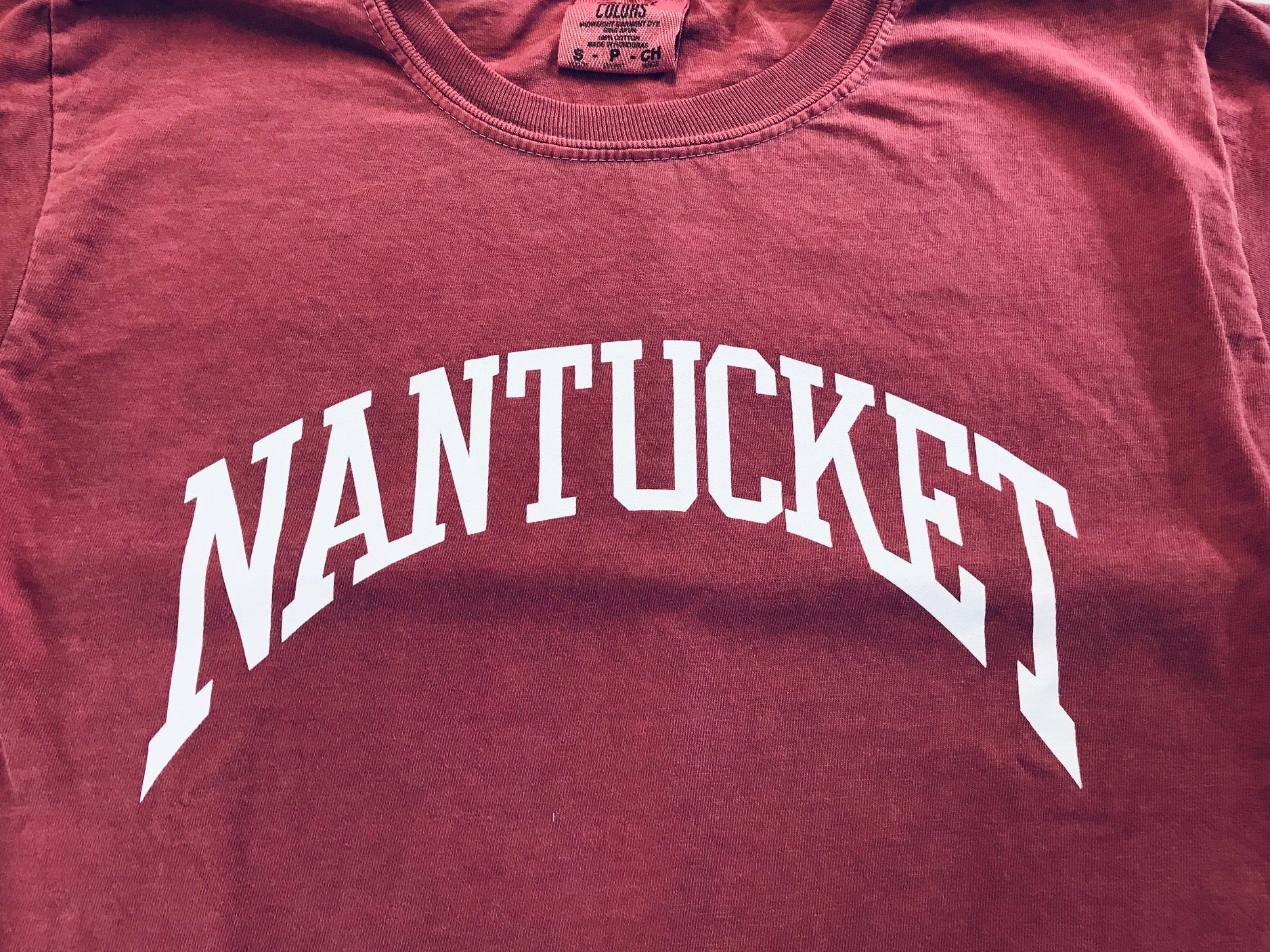 Nantucket Kids Arch tee in Island Red