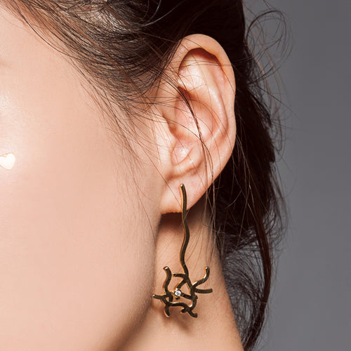 LINES AND DOTS EARRING